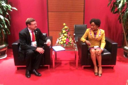 К. Косачев встретился в Ханое с главами делегаций стран БРИКС ЮАР