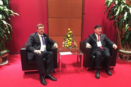 К. Косачев встретился в Ханое с главами делегаций стран БРИКС Китай