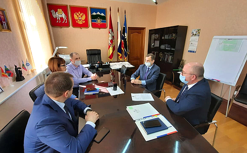 http://council.gov.ru/media/photos/large/6uztLTnBkWZDDs3AYvhk76bHBlebhSlV.png