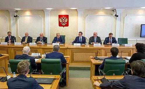 http://council.gov.ru/media/photos/large/8v35Pfg71gmjq3ABGMKrvFLVf9Exx1fi.jpg