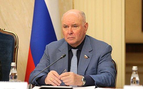http://council.gov.ru/media/photos/large/AfXl0XkTfAxCTKAYtteR5buTuJWXEBjz.jpg