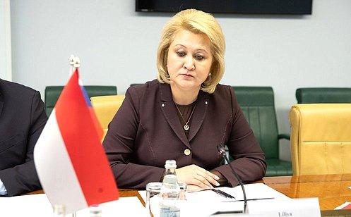http://council.gov.ru/media/photos/large/Cv50CADmnPicIJ0ArQbVYBBKQcT5s4CW.jpg