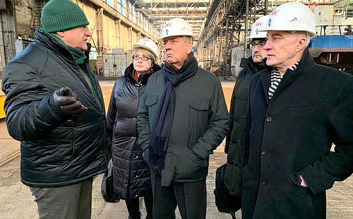 http://council.gov.ru/media/photos/large/DfCG12z1B455DnA12vejy0JYDUEbj5Cp.jpg
