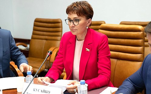 http://council.gov.ru/media/photos/large/EjgoV4R7AriC2zVD1HvSohcdNQ3GiM1f.jpg