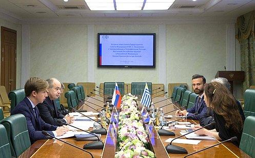И.Умаханов встретился спослом Уругвая Э.Хентой