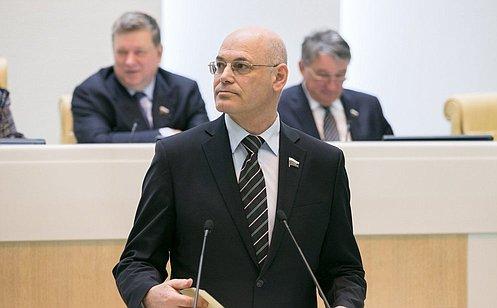 http://council.gov.ru/media/photos/large/JVXRGrYimw8nt0zlmO29w7hmq8TmmWJe.jpg