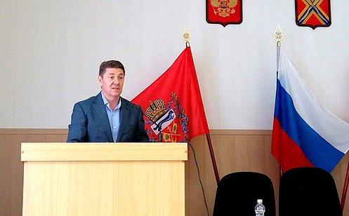 http://council.gov.ru/media/photos/large/M1uiHWc6i5UaCClMoSqmMA65PaZarSMA.jpg