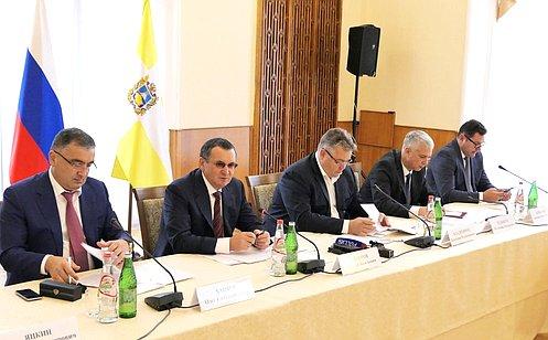 http://council.gov.ru/media/photos/large/MWtTecAqBMis28OBFgFCAu8UOkngqAeZ.JPG