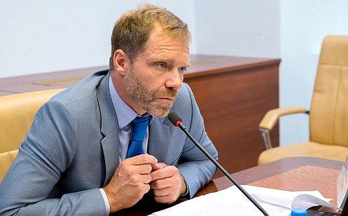 http://council.gov.ru/media/photos/large/OTFSQNgnlVLAesA02MF3lsa9eohaUBon.jpg