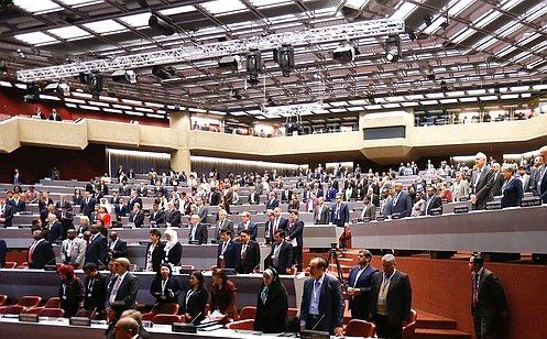 Заседание Ассамблеи МПС открылось минутой молчания всвязи страгическими событиями вКерчи