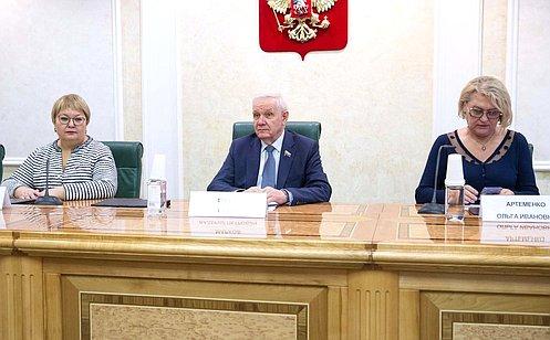 http://council.gov.ru/media/photos/large/Rl5dT7AAaZtOjG7Dh0dcym7eFBAVAMYH.jpg