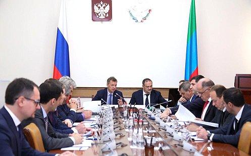 http://council.gov.ru/media/photos/large/VD8OqAgo87zjjNUgceo0sgwzpTH63Dgx.jpg