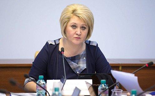 http://council.gov.ru/media/photos/large/ZSa05MTYYFQsFUMCmEAoTJRkRcyJHqa9.jpg