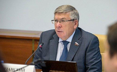 http://council.gov.ru/media/photos/large/gCcWPiW87pn9BASYNEYMHnvOlptQFNAW.jpg