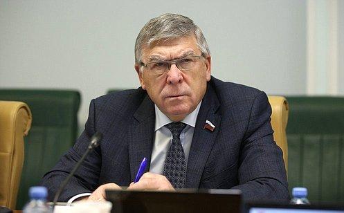 http://council.gov.ru/media/photos/large/gKAlgJmVG4fIIKjg4xjAvBAzlWIKhdcN.jpg