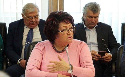 Л. Талабаева обсудила вопросы подготовки кпроведению весенних полевых работ вПриморском крае