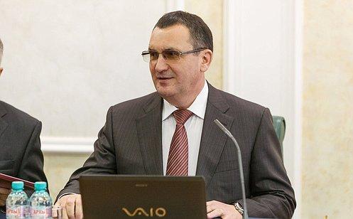 Н.Федоров провел встречу спредставителями педагогического сообщества Чувашии
