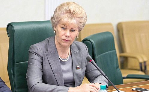 http://council.gov.ru/media/photos/large/oiTDv4VV8KgfjnL41oHl3p7Pt8zZT3Cb.jpg
