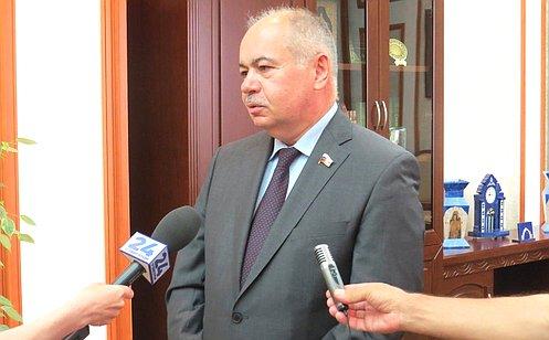 http://council.gov.ru/media/photos/large/s9ATisfcjQuwdkDgQt9mMH6AABveamhP.JPG