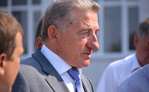 http://council.gov.ru/media/photos/large/sljfWA6AHIPhXftUDenwVe8ph7gdi3jK.jpg