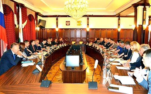 http://council.gov.ru/media/photos/large/uW5kqb5PvCvjnTTg3jhheqYnGcnEMBhz.jpg
