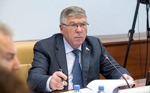 http://council.gov.ru/media/photos/large/zAaOQg8n7wDB6FXAo2MbKkFvFwAGDATt.jpg