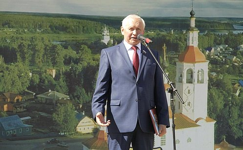 Н.Тихомиров принял участие впраздничных мероприятиях вВологодской области