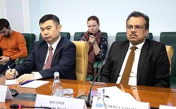 Встреча Константина Косачева сЧрезвычайным иПолномочным Послом Республики Сингапур вРФ Премджитом Садасиваном