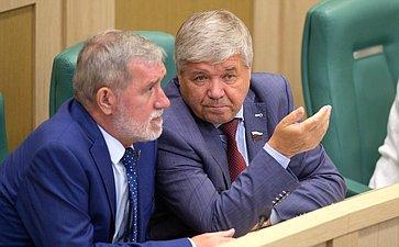 А. Ермаков иЮ. Неелов
