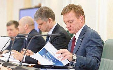 ВСовете Федерации состоялся «круглый стол» повопросам эффективности строительства автомобильных дорог вРФ