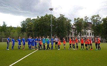 Товарищеский матч команды Совета Федерации сюношеской командой красноярского футбольного клуба «Тотем»