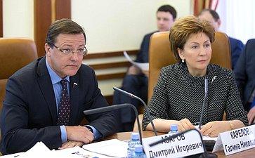 Д. Азаров иГ. Карелова