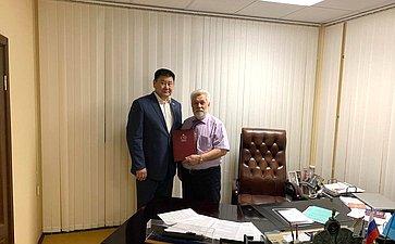 В.Мархаев провел рабочую встречу спрезидентом компании АО «ПТС»