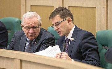 В. Марков иД. Шатохин