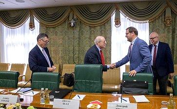 Встреча К.Косачева спредставителями Фонда Карнеги, участниками проекта «Взаимодействие России, Китая, США именяющийся мировой порядок»