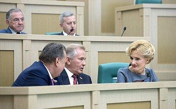 Б. Невзоров, В. Пономарев иИ. Яровая