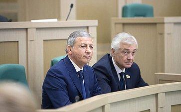 В. Битаров иА. Мачнев