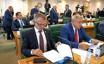 Владимир Кравченко иЮрий Важенин