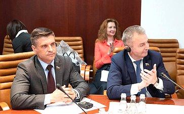 Ю. Архаров иИ. Каграманян