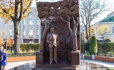 Н. Федоров принял участие вцеремонии открытия памятника первому Президенту Республики Узбекистан И. Каримову