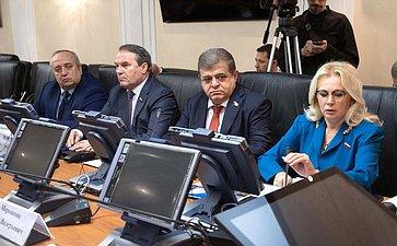 «Круглый стол» натему «Пять лет после майдана: украинский кризис как поле информационной войны»