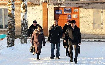 Виктор Новожилов посетил ряд муниципальных образований ипровел встречи сактивами поселений с. Пежма ип.Хозьмино