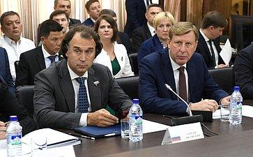 Заседание Российско-Узбекского иУзбекско-Российского деловых советов