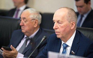Е. Алексеев