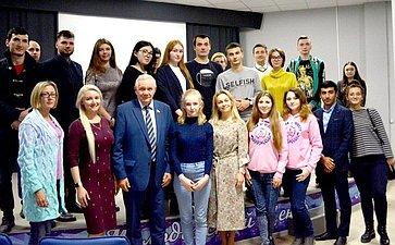 Валерий Марков посетил социально-культурные объекты приполярного города Усинска Республики Коми