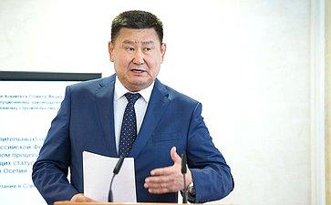 В. Мархаев