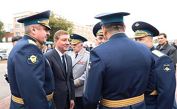 ВДень ВДВ Андрей Турчак принял участие ввозложении цветов кпамятнику В. Маргелову