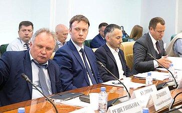 «Круглый стол» натему «Законодательное обеспечение стимулирования отечественных производителей импортозамещающего оборудования»