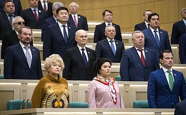 Л. Нарусова иО. Бурико