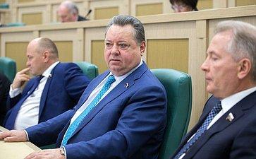 Б. Невзоров иМ. Пономарев